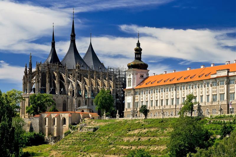 January Sun Prague To Kutná Hora Buy - A walking tour of prague 15 historical landmarks